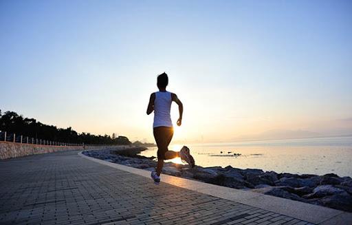 correr em jejum e vantagens